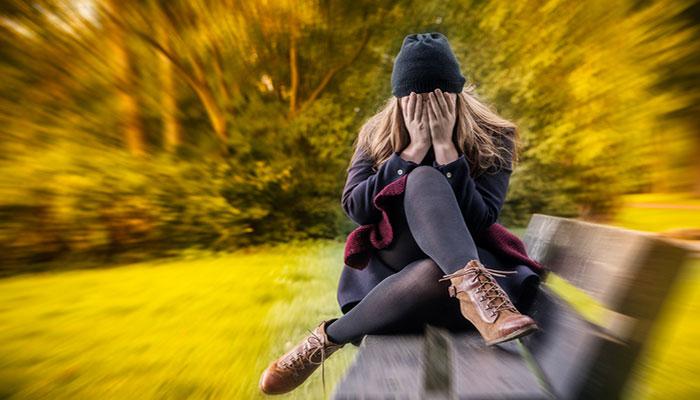 مبانی نظری و پیشینه تحقیق اضطراب